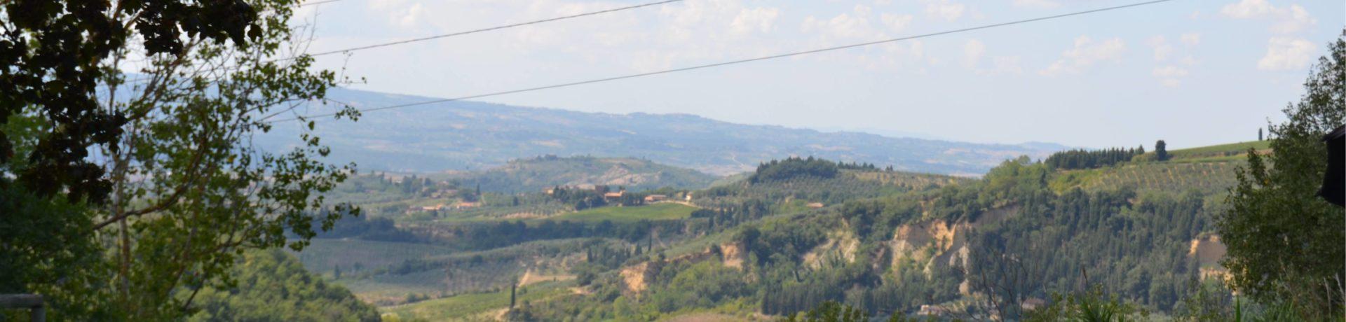 De charme Camping Panorama del Chianti in Certaldo beschikt over een zwembad en biedt een oase van rust, gelegen in de groene heuvels van Toscane.