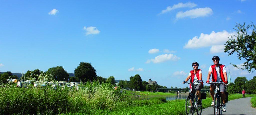 De charme camping Weserbergland-Camping in Heinsen beschikt over een zwembad en is rustig gelegen aan de rivier de Weser, in een mooi natuurgebied in Nedersaksen.