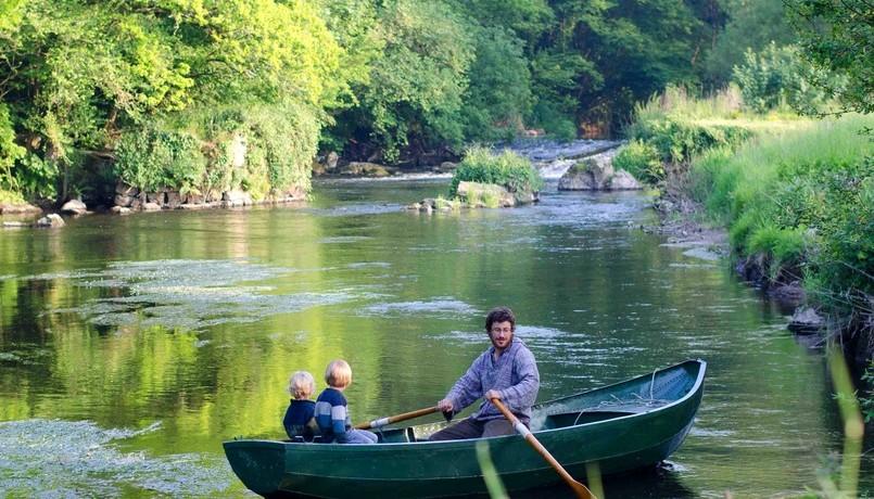 Charme camping de Milin Kerhe is een heerlijke natuurcamping in de Côtes-d'Armor gelegen aan een rivier in Pabu in Bretagne.