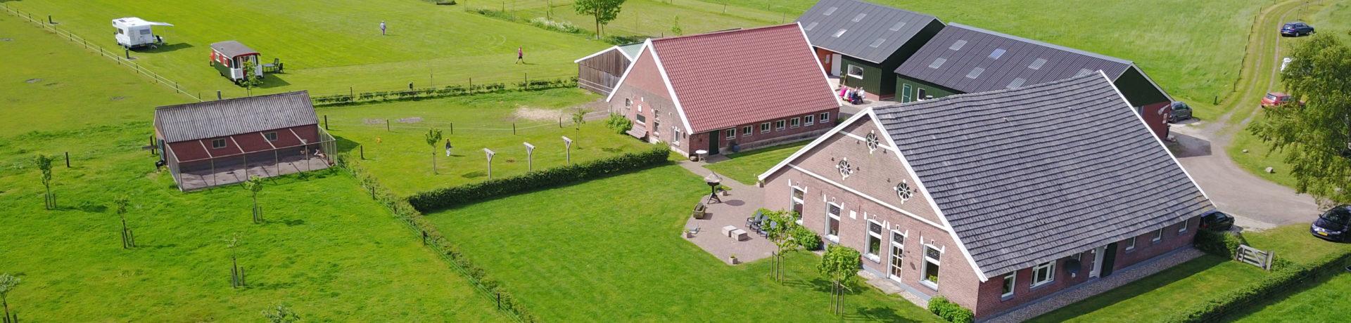 Landschapscamping 't Scharrelhoes in Boekelo in Overijssel is rustig gelegen te midden in het fraaie Twentse coulisselandschap.